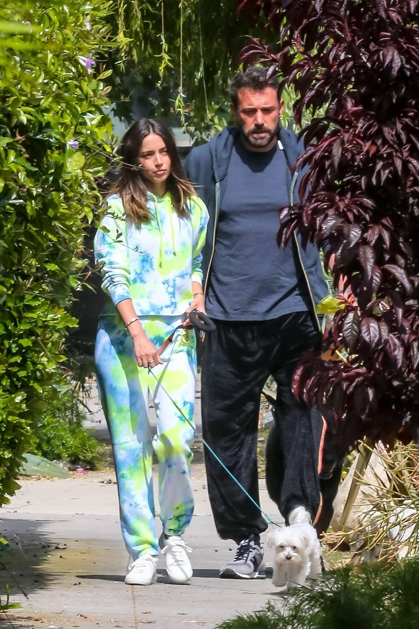 Ana de Armas 2020 : Ana De Armas and Ben Affleck – Taking their dogs for a stroll in Venice-22