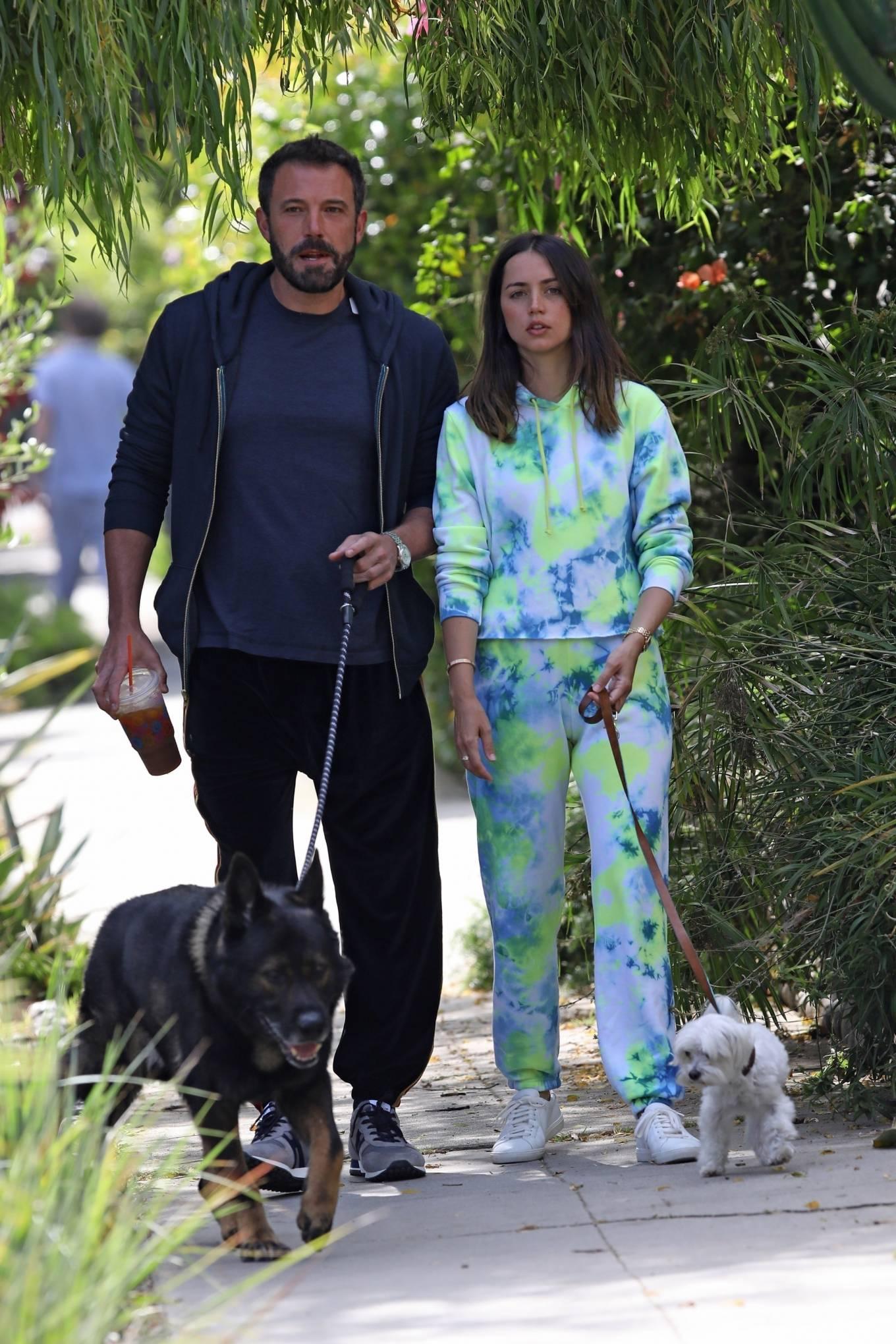 Ana de Armas 2020 : Ana De Armas and Ben Affleck – Taking their dogs for a stroll in Venice-23