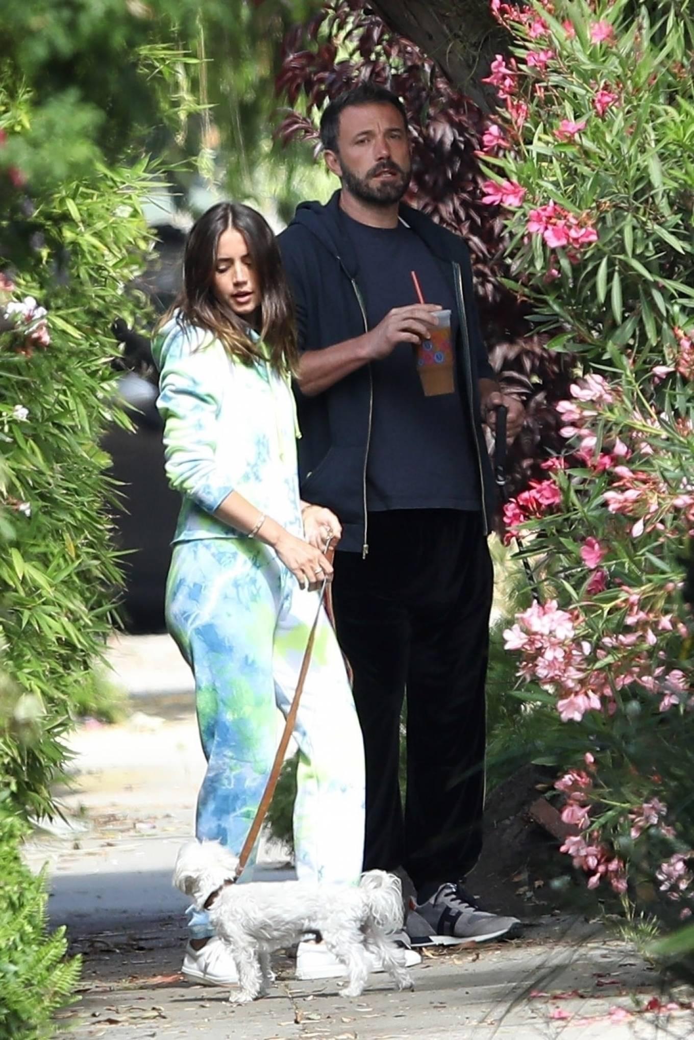 Ana de Armas 2020 : Ana De Armas and Ben Affleck – Taking their dogs for a stroll in Venice-27