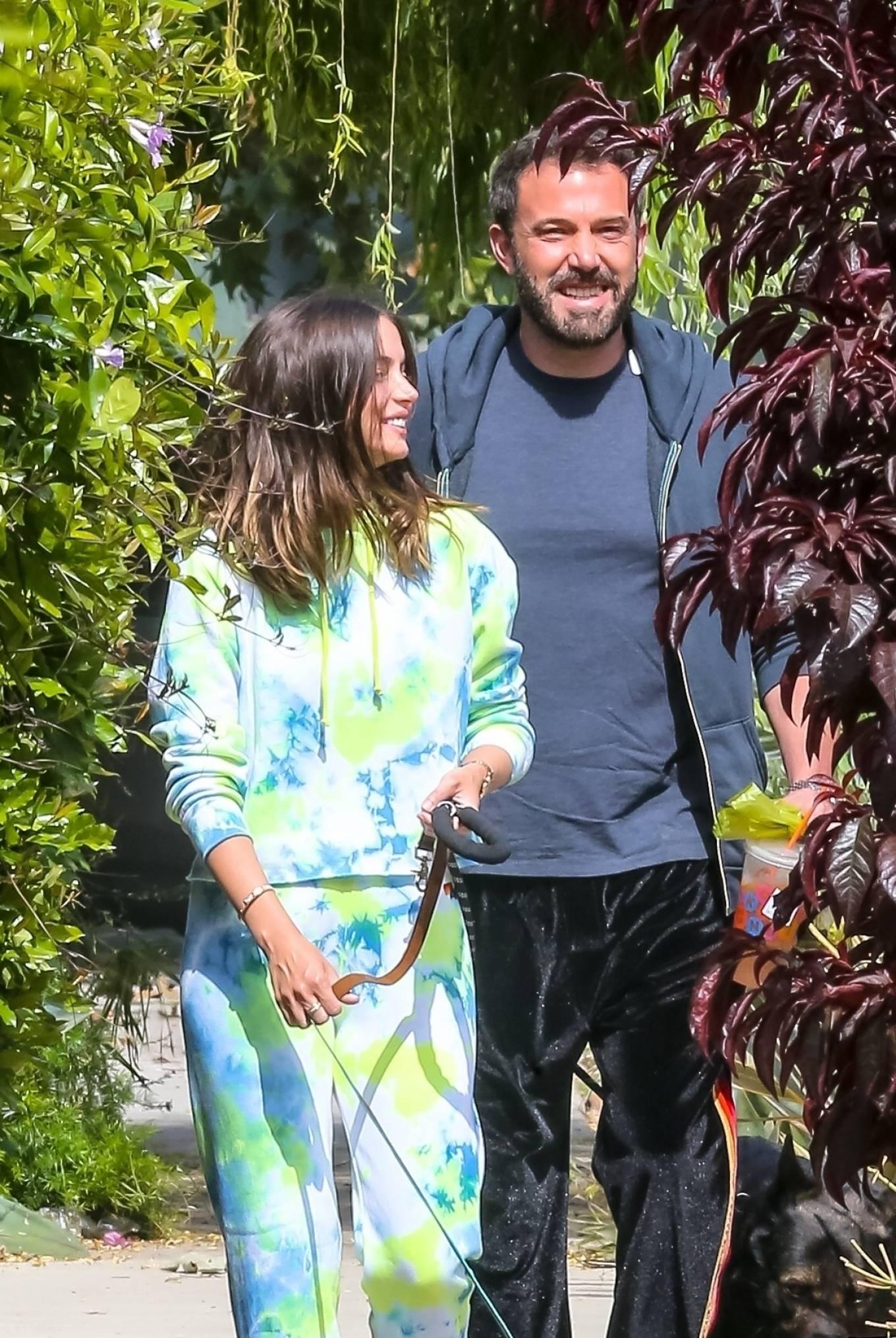 Ana de Armas 2020 : Ana De Armas and Ben Affleck – Taking their dogs for a stroll in Venice-31