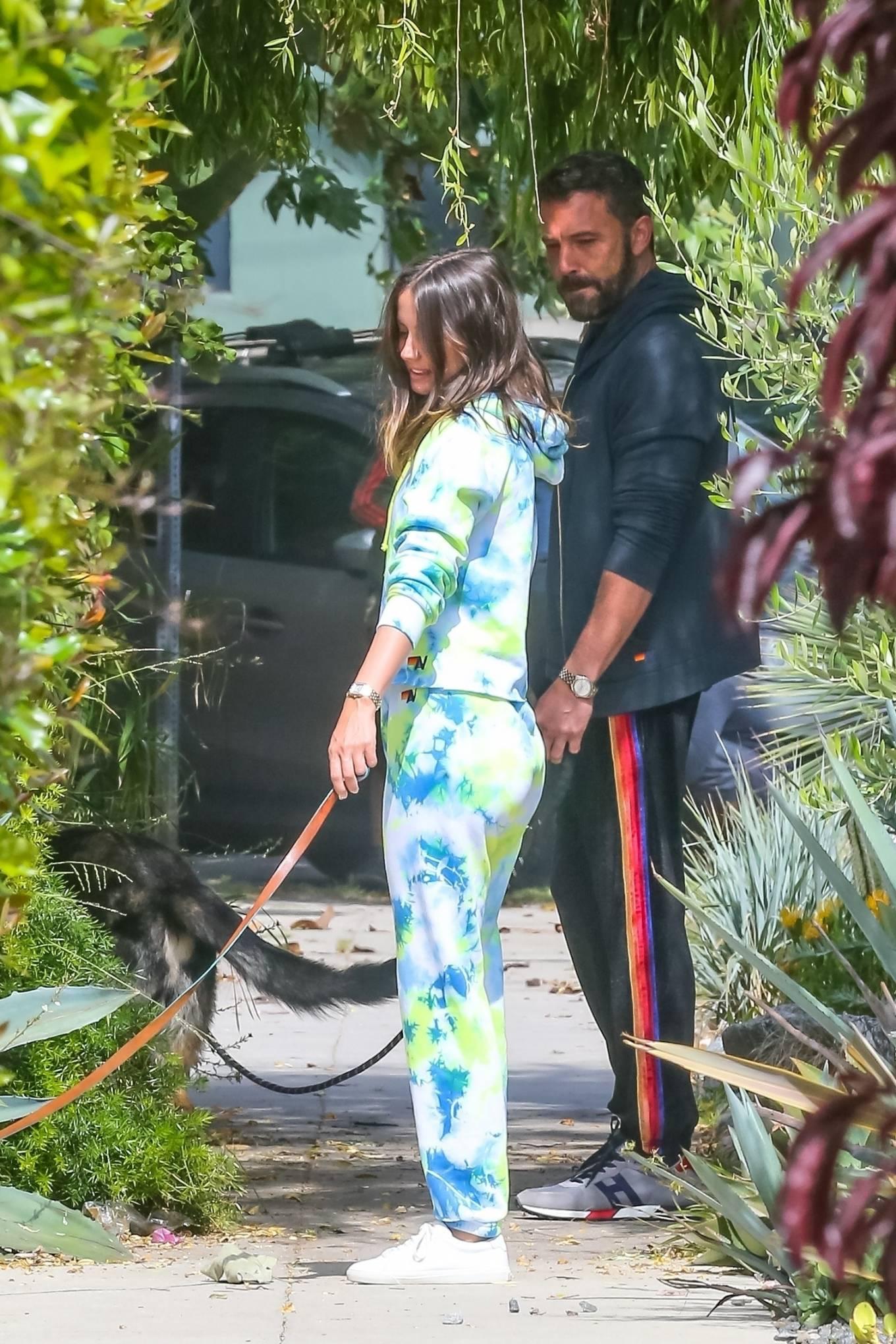Ana de Armas 2020 : Ana De Armas and Ben Affleck – Taking their dogs for a stroll in Venice-33