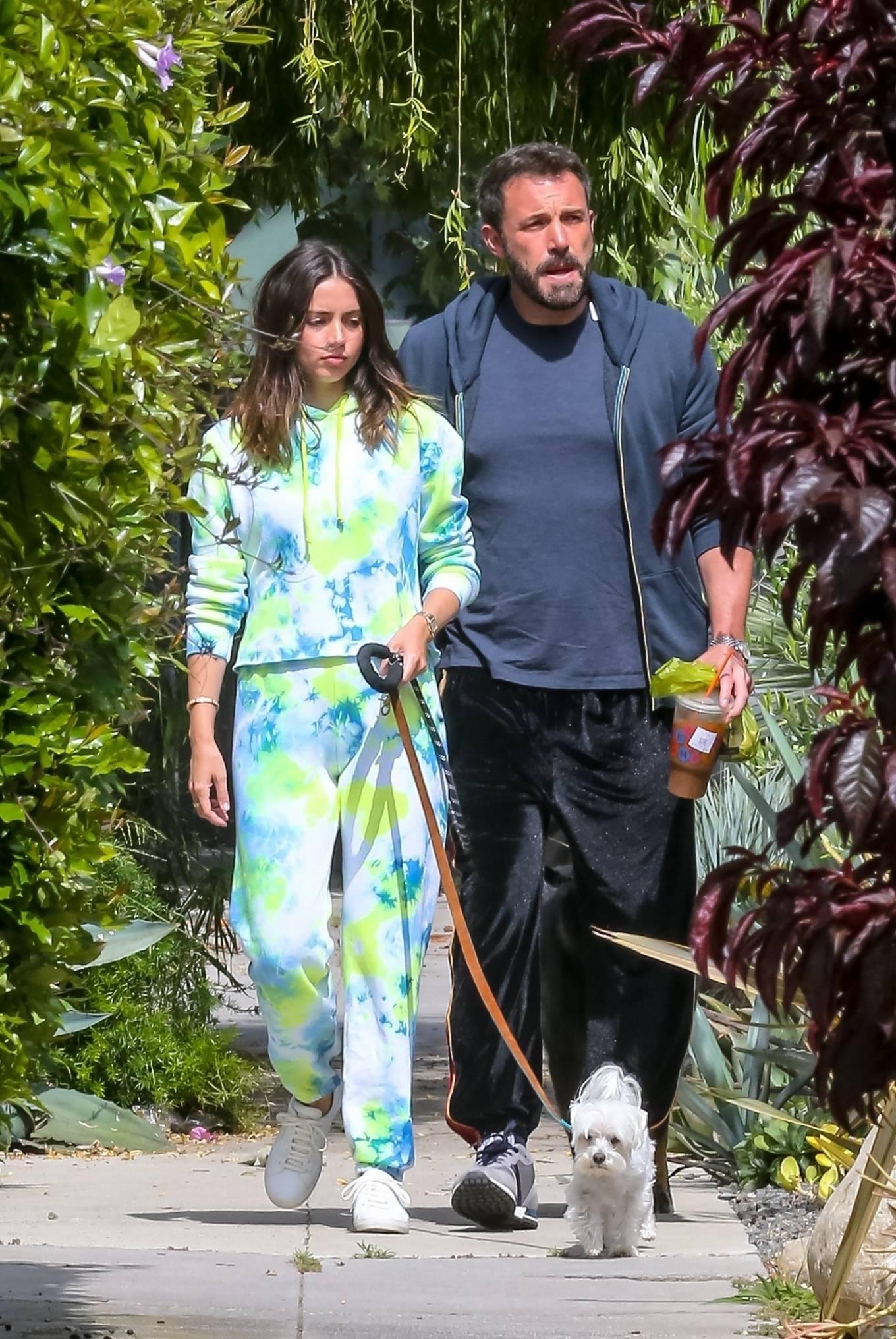 Ana de Armas 2020 : Ana De Armas and Ben Affleck – Taking their dogs for a stroll in Venice-34