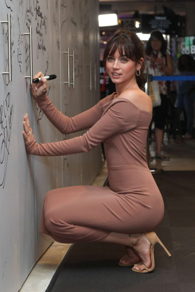 Ana de Armas at AOL Build -24