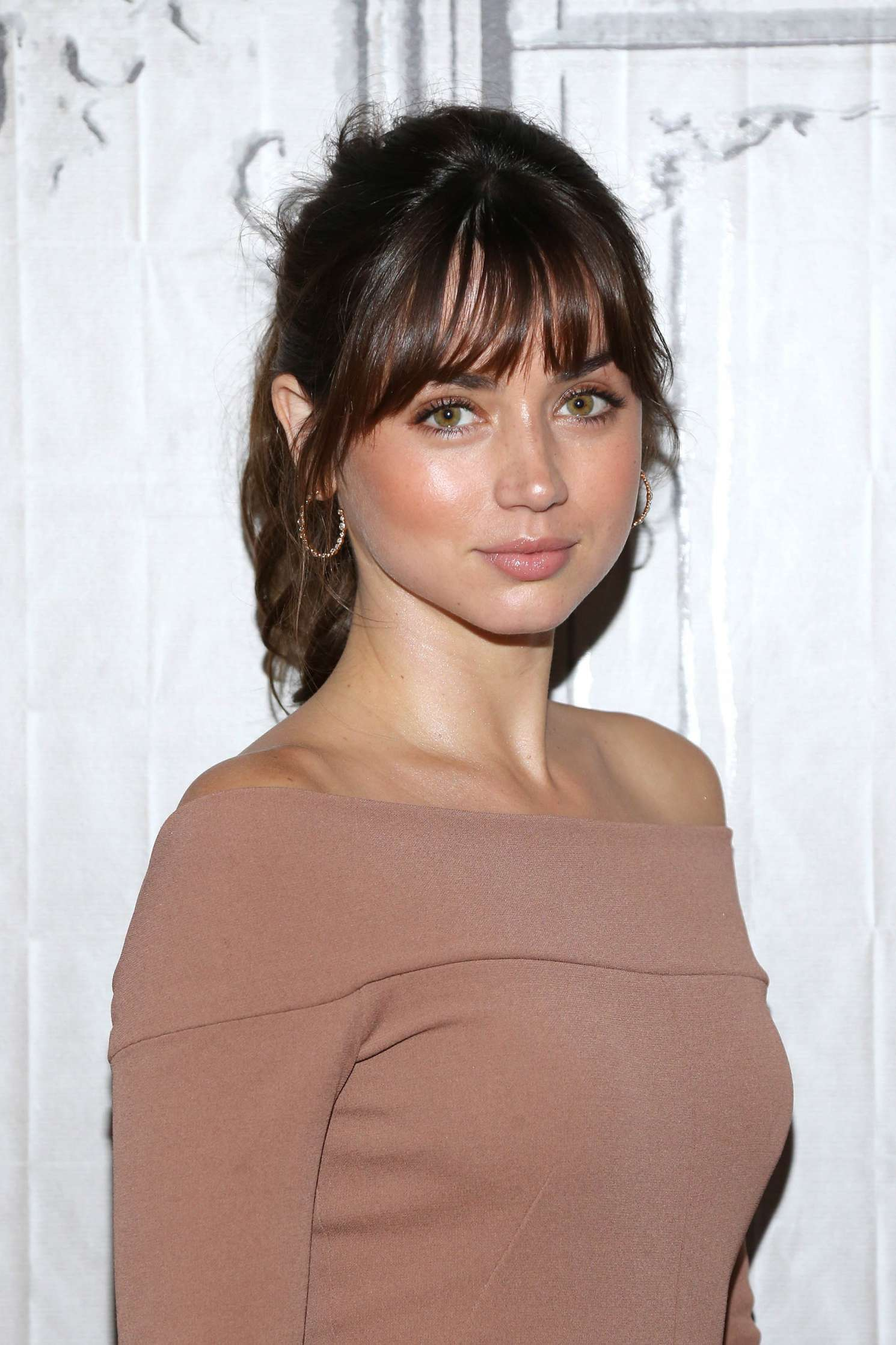 Ana De Armas At Aol Build 29 Gotceleb