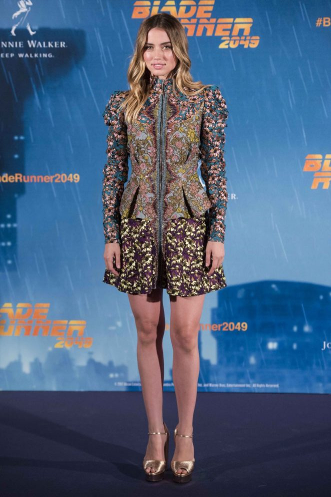 Ana de Armas: Blade Runer 2049 Photocall in Madrid-07