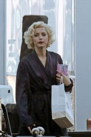 Ana de Armas - Filming 'Blonde' in Los Angeles
