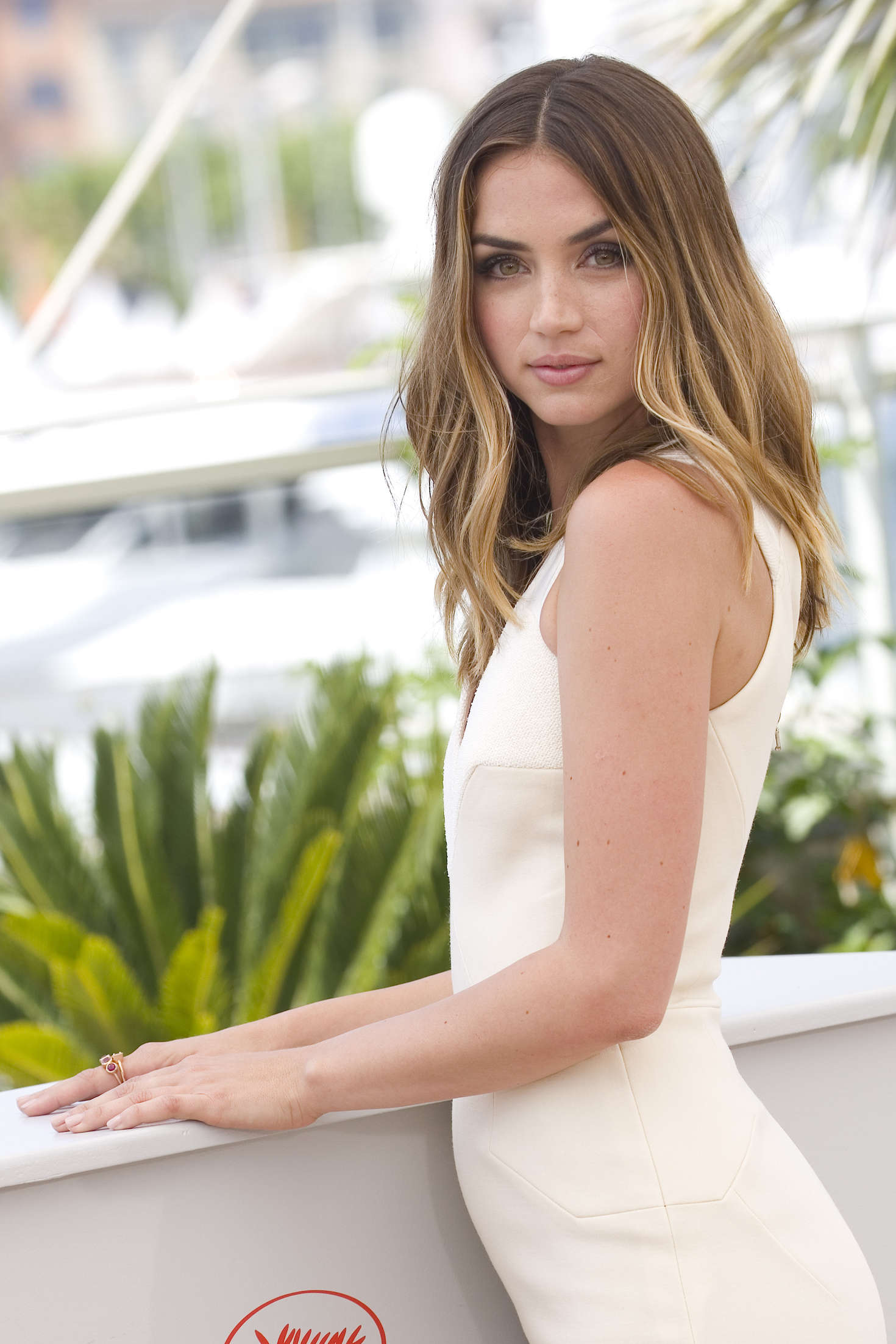 Ana de armas hands of stone 2016 - 2 part 2