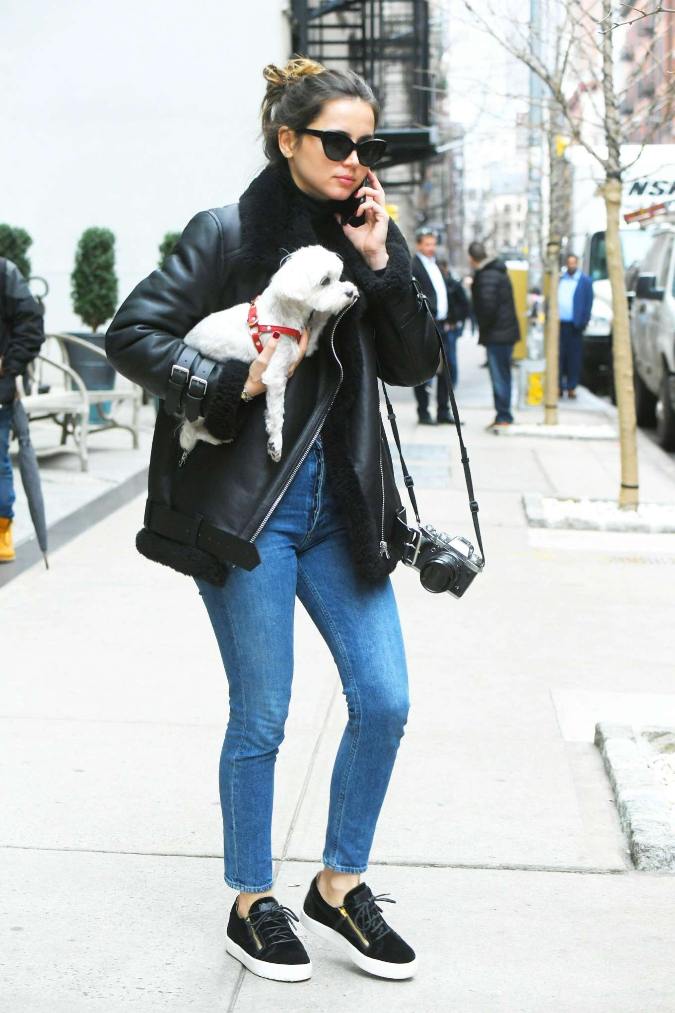 Ana De Armas in a White Sneakers Goes Out for Lunch with