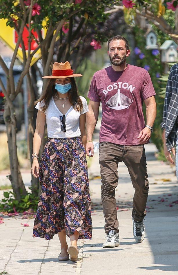 Ana De Armas - Looks cute in summer dress with Ben Affleck at Nick Fouquet hat shop in Venice