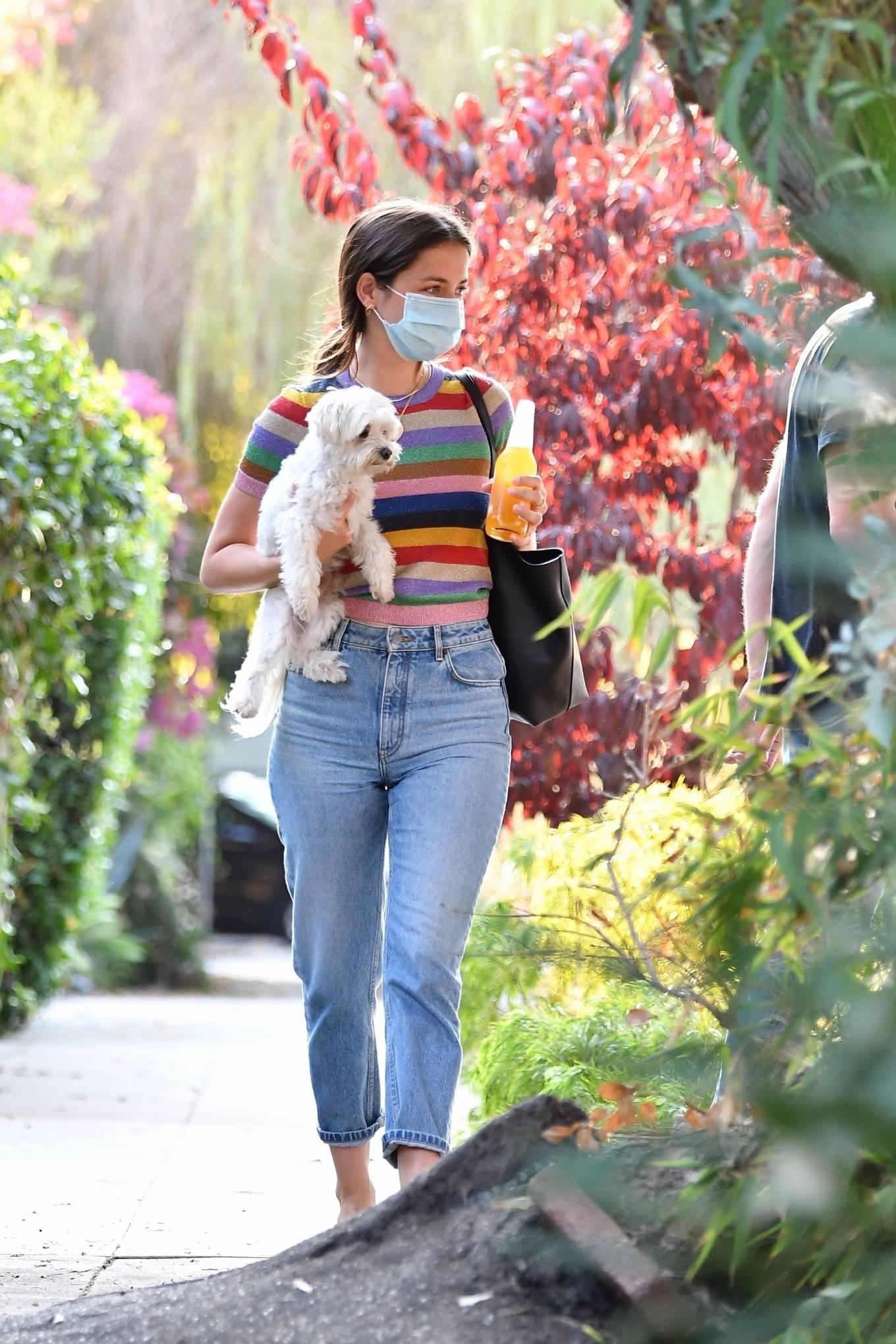 Ana de Armas - Moves from Venice Beach into Ben Affleck's home