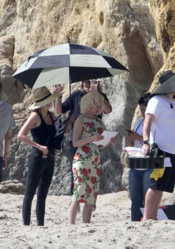 Ana De Armas - Plays the role of Marilyn Monroe while filming on the beach in Malibu
