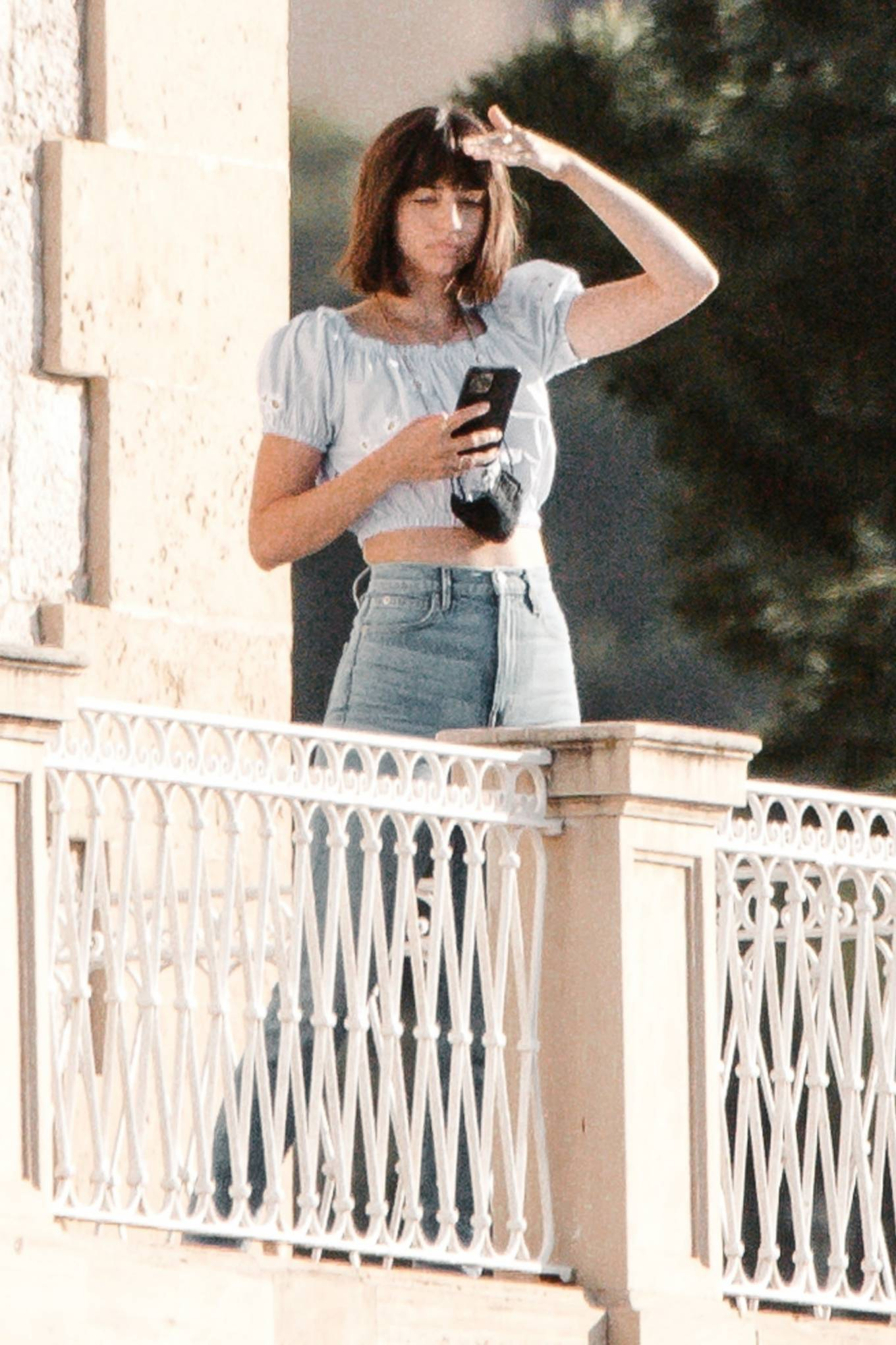 Ana De Armas - Spotted having breakfast with friends at Palma De Mallorca