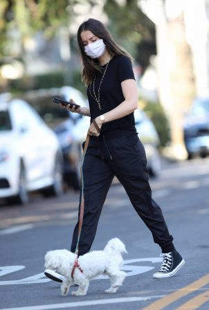 Ana De Armas - Spotted in early in morning in Venice - California