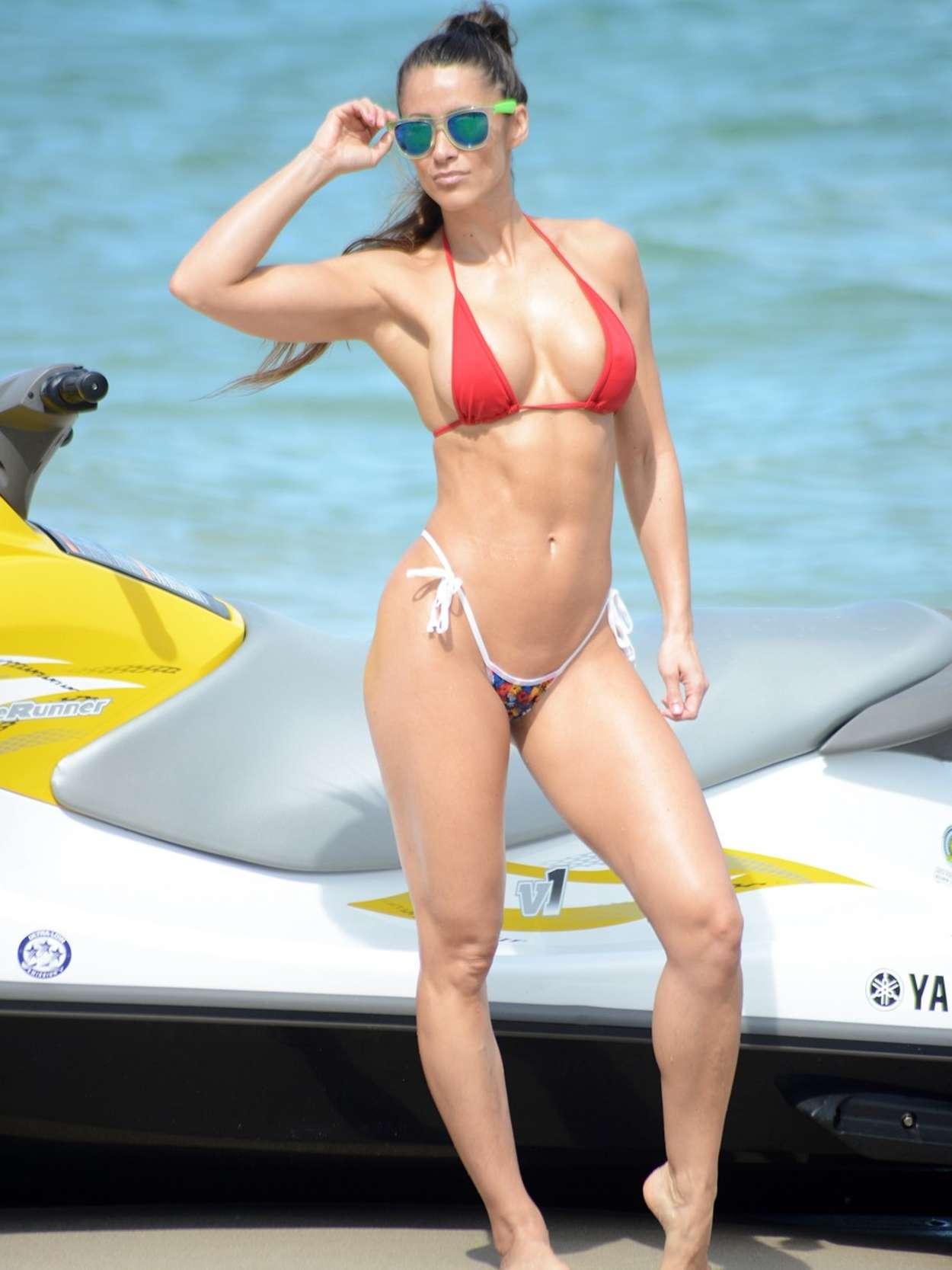 Anais Zanotti Hot anais zanotti hot in bikini -08 | gotceleb