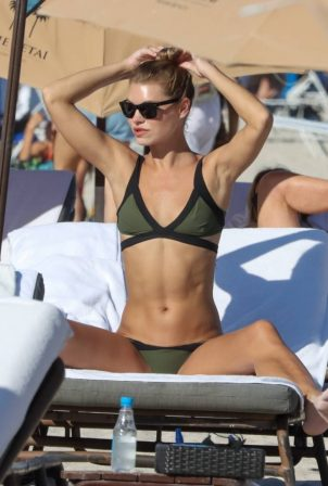 Anastasia Grik - In a green bikini on Miami beach