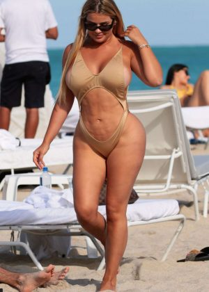 Anastasia Kvitko in Swimsuit on the beach in Miami