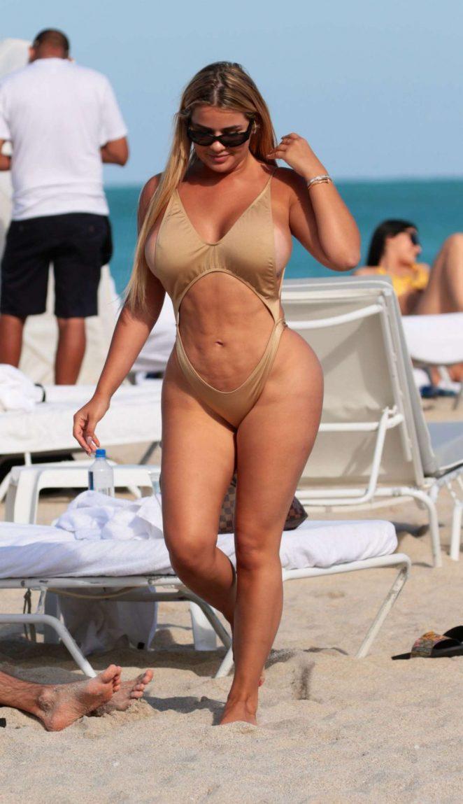 Anastasia Kvitko in Swimsuit on the beach in Miami