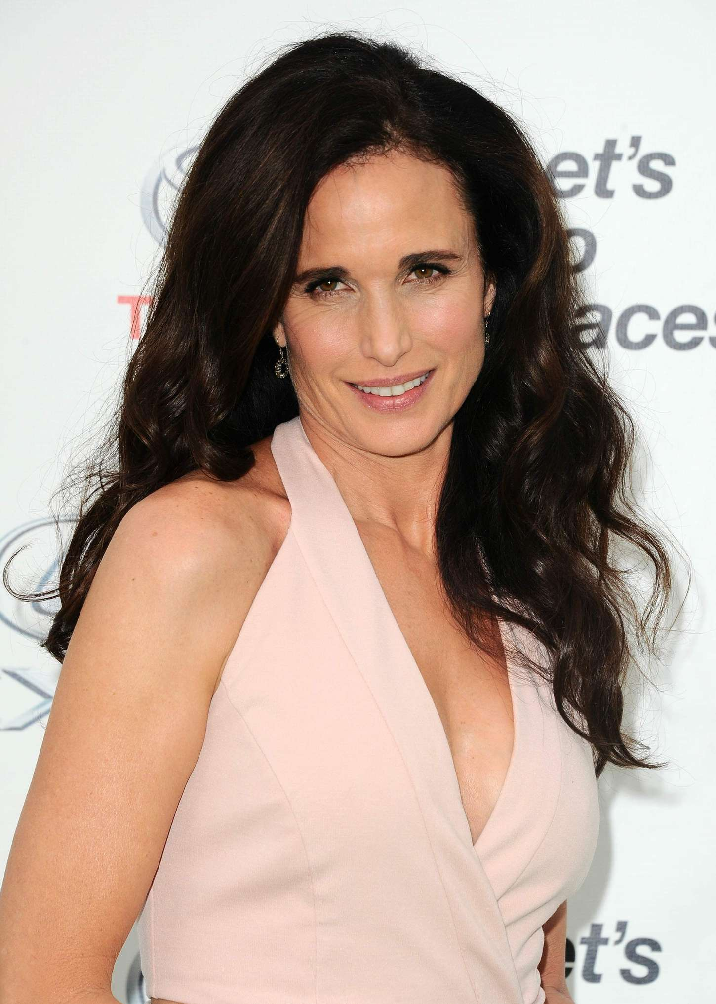 Andie macdowell who is she dating 8