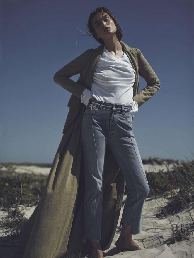 Andreea Diaconu - Vogue Netherlands Magazine (October 2015)