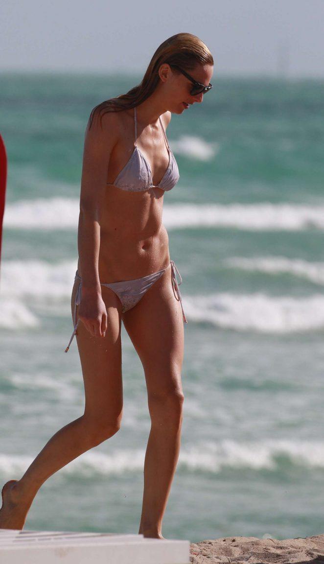 Andreja Pejic in White Bikini 2016 -06