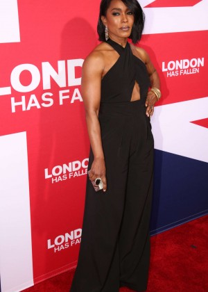 Angela Bassett - 'London Has Fallen' Premiere in Los Angeles