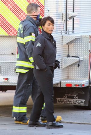 Angela Bassett - On set Rescue 9-1-1 in Los Angeles