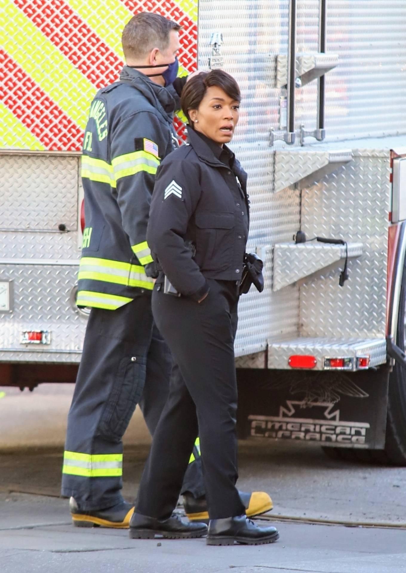 Angela Bassett - On set Rescue 9-1-1 in Los Angeles