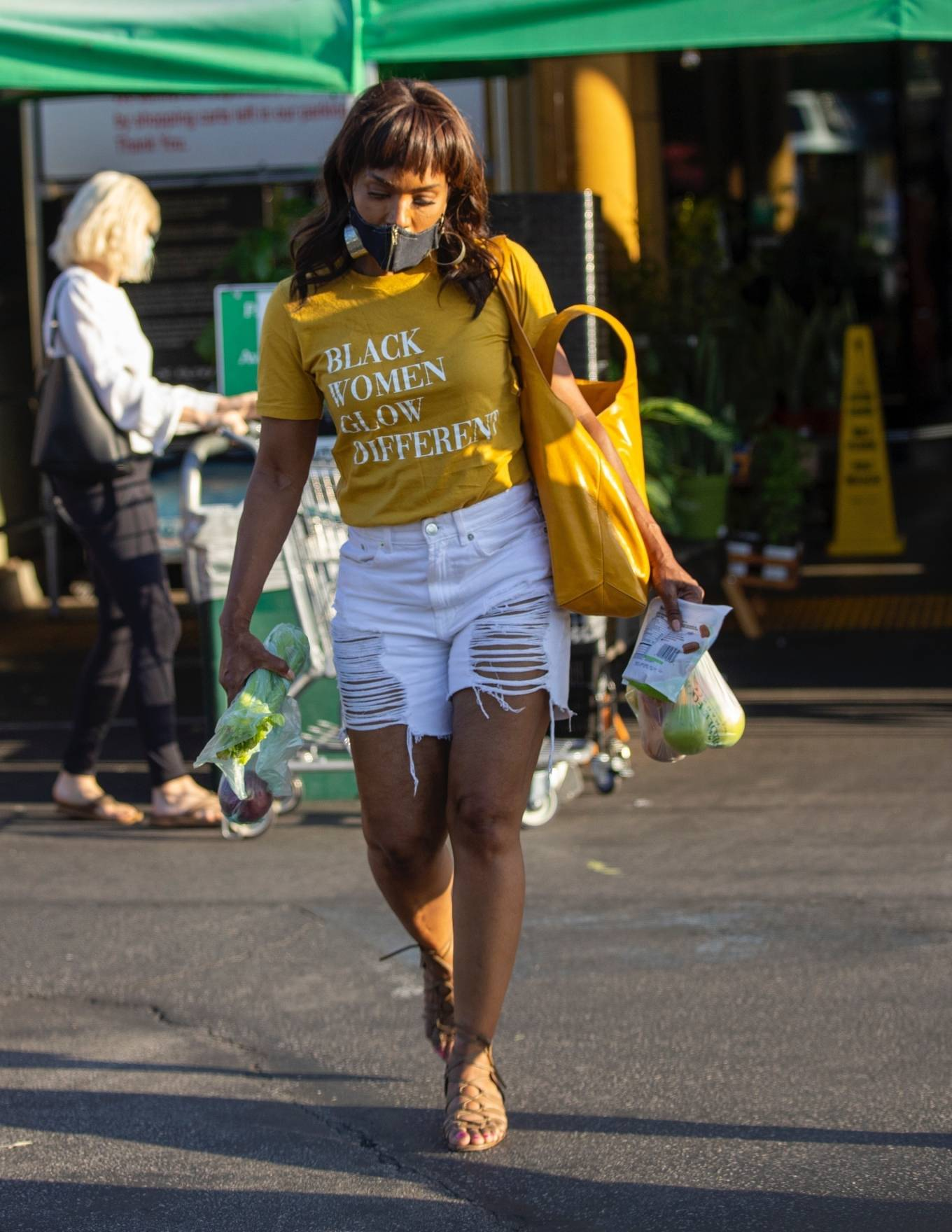 Angela Bassett - Out shopping at Whole Foods in Los Angeles