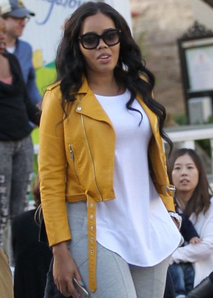 Angela Simmons - Shopping with friends at The Grove in Hollywood