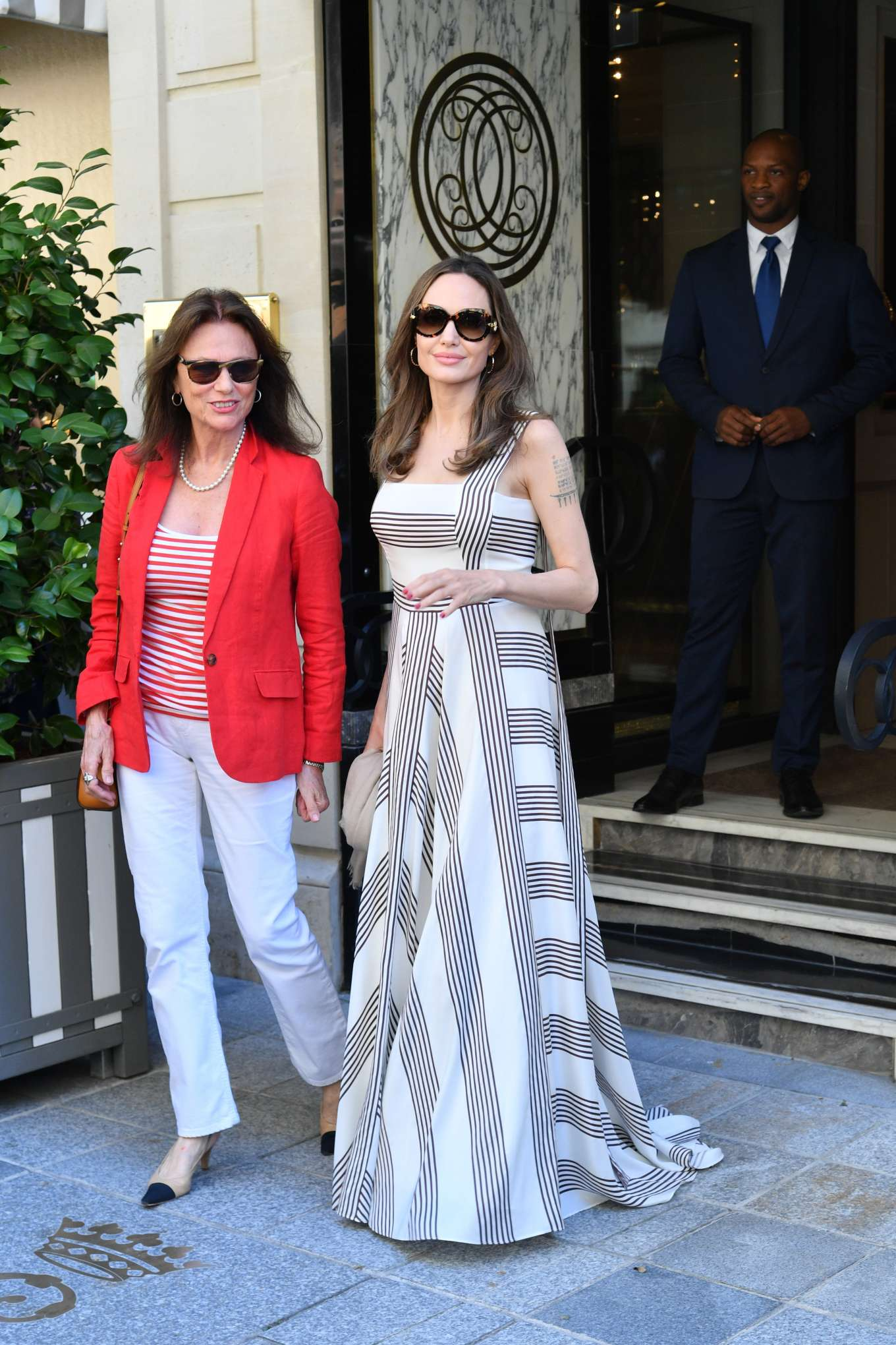 Angelina Jolie 2019 : Angelina Jolie and Jacqueline Bisset – Leaving Their Hotel in Paris-13