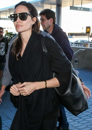 Angelina Jolie - Arrives at Los Angeles International Airport