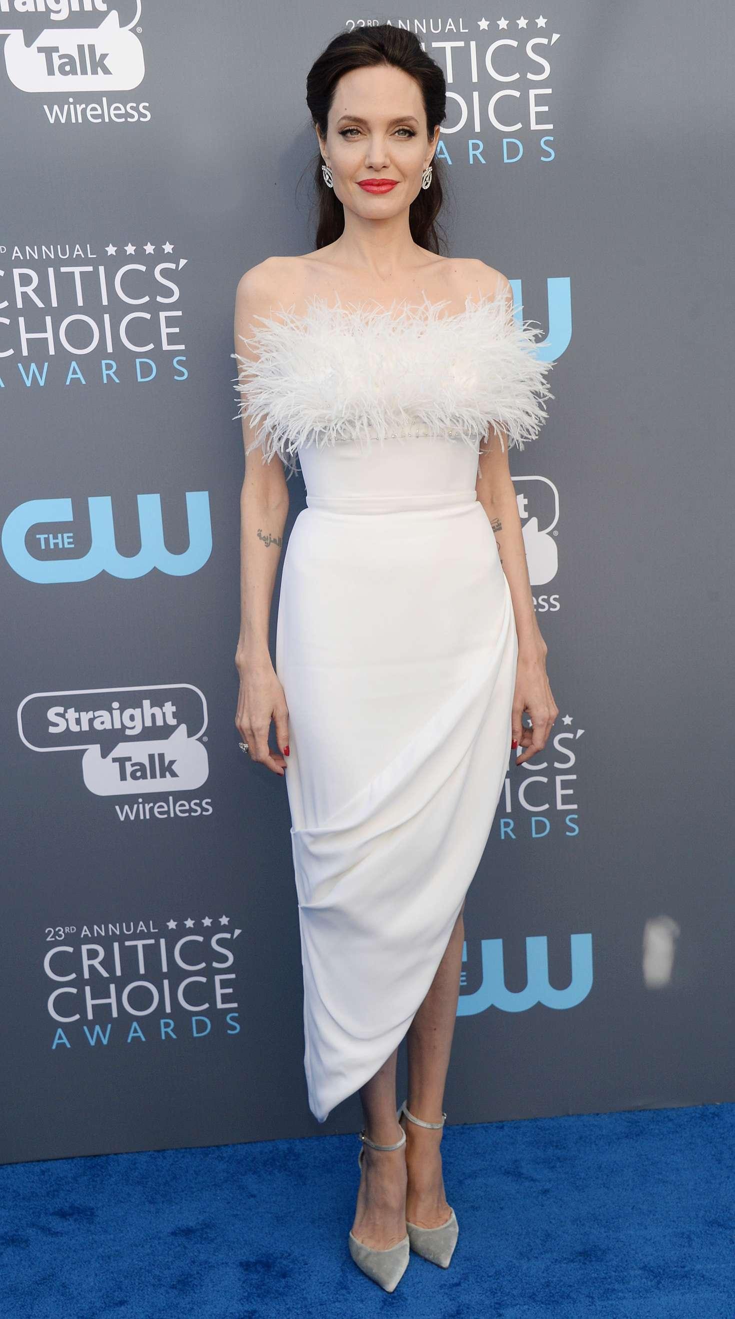 Angelina Jolie Critics Choice Awards 2018 In Santa