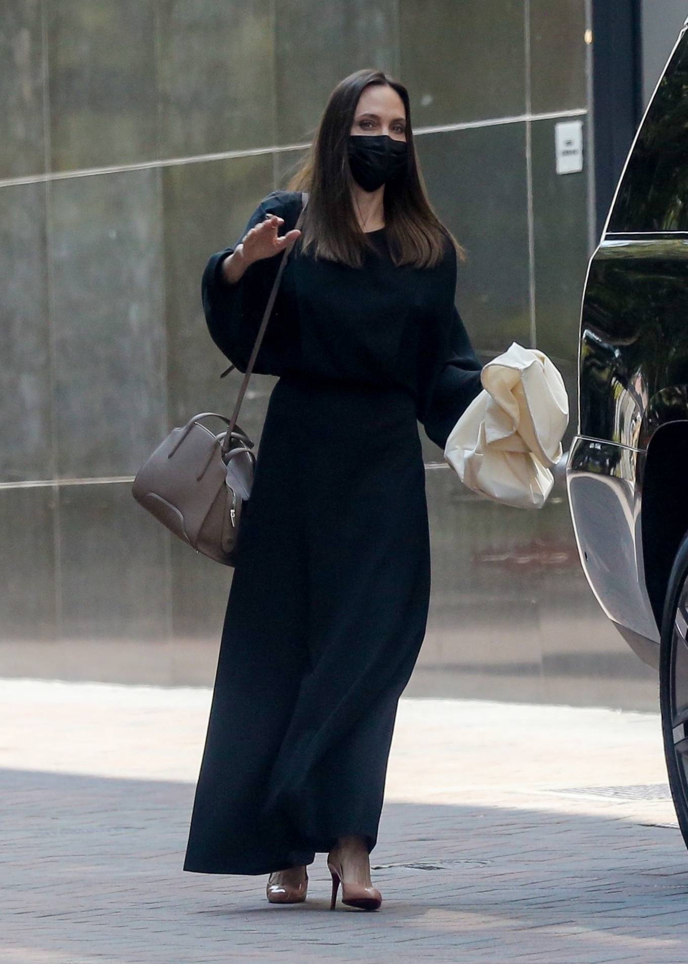 Angelina Jolie - Leaves an office building in Beverly Hills