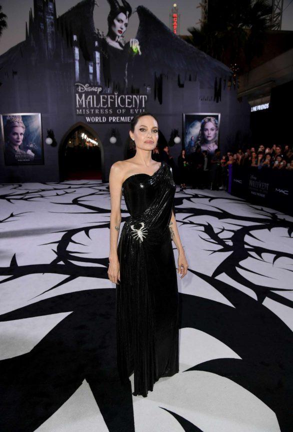 Angelina Jolie Maleficent Mistress Of Evil La Premiere 08