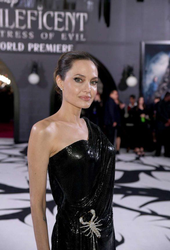 Angelina Jolie Maleficent Mistress Of Evil La Premiere 20