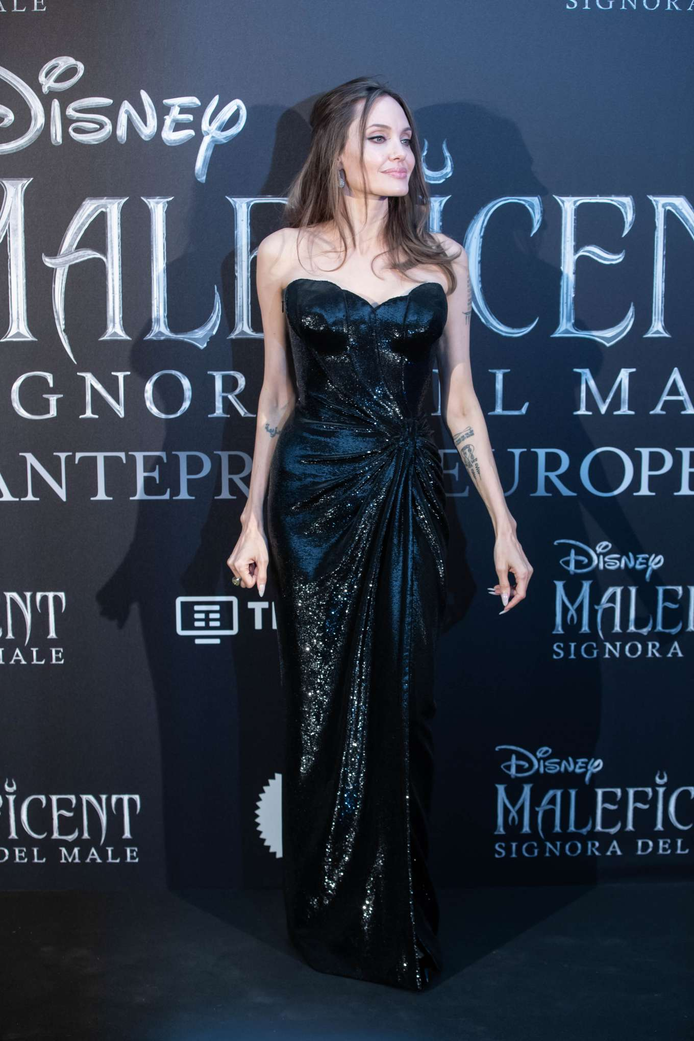 Angelina Jolie 2019 : Angelina Jolie – Maleficent: Mistress Of Evil Premiere in Rome-03