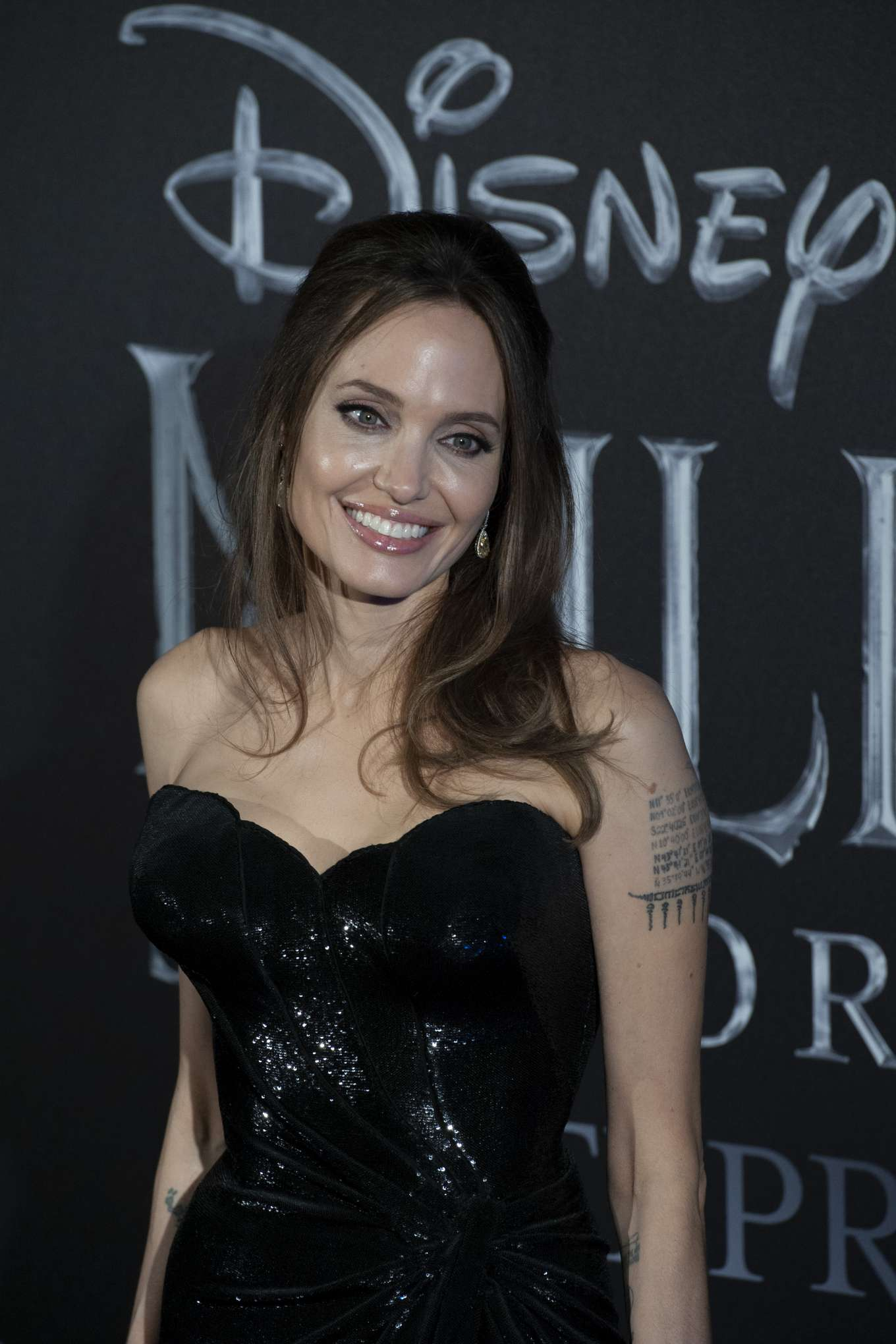 Angelina Jolie 2019 : Angelina Jolie – Maleficent: Mistress Of Evil Premiere in Rome-04