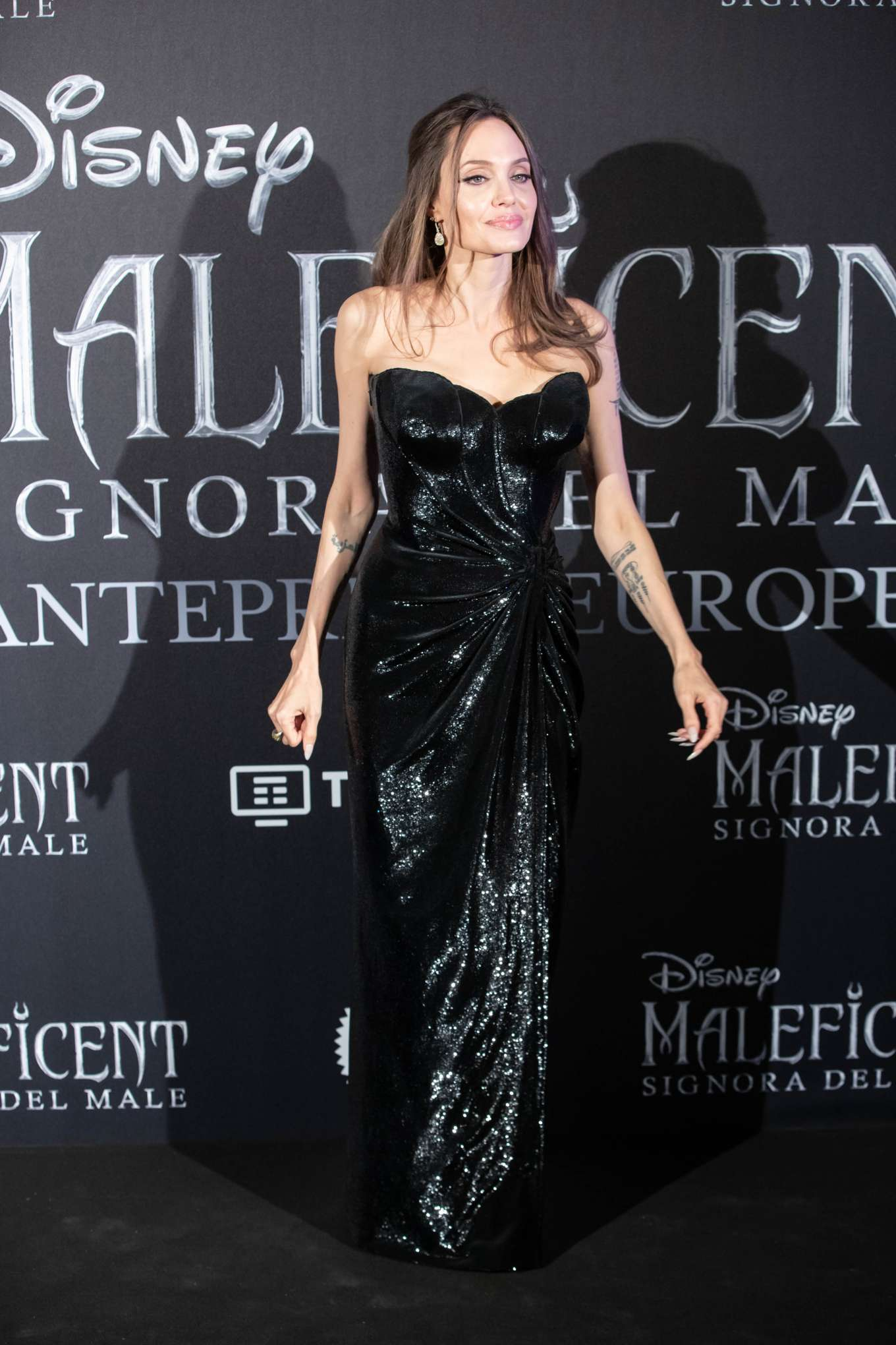 Angelina Jolie 2019 : Angelina Jolie – Maleficent: Mistress Of Evil Premiere in Rome-14
