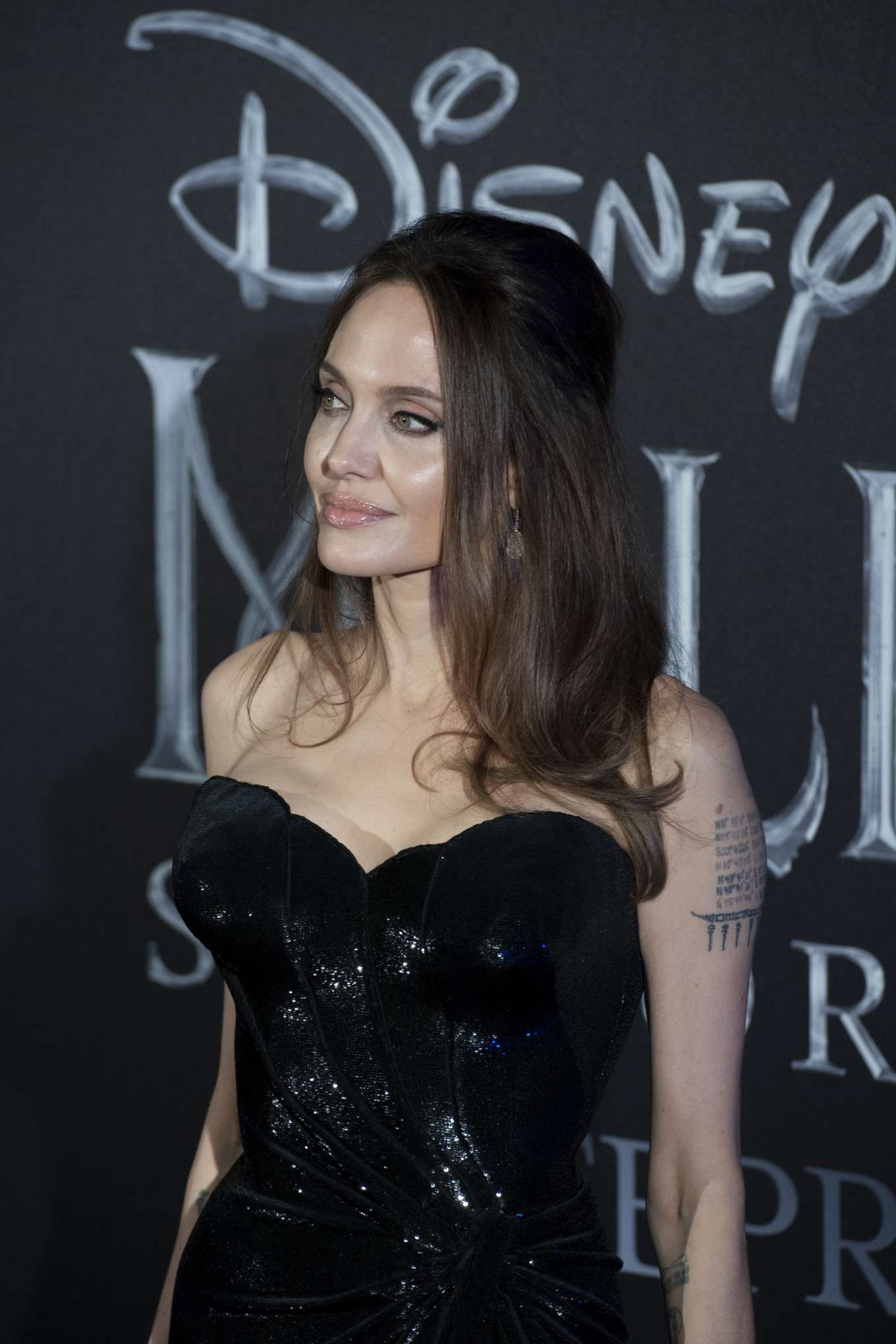 Angelina Jolie 2019 : Angelina Jolie – Maleficent: Mistress Of Evil Premiere in Rome-15