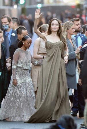 Angelina Jolie - Pictured at the Externals premiere at El Capitan Theatre in Hollywood