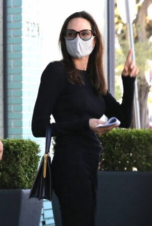 Angelina Jolie - Shopping candids at high-end Knoll Home Design Shop in West Hollywood
