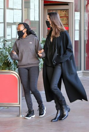 Angelina Jolie - Shopping candids with her daughter Zahara in Los Angeles