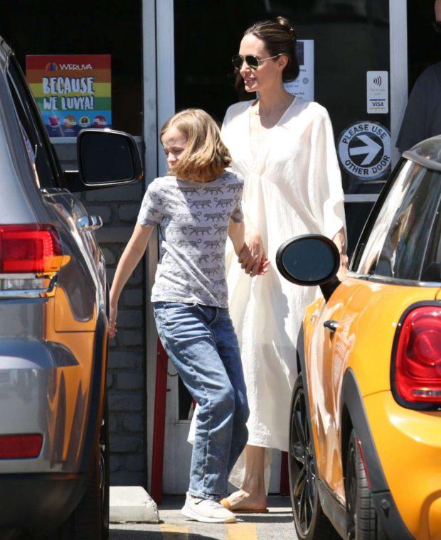 Angelina Jolie: Shopping in Los Feliz-05