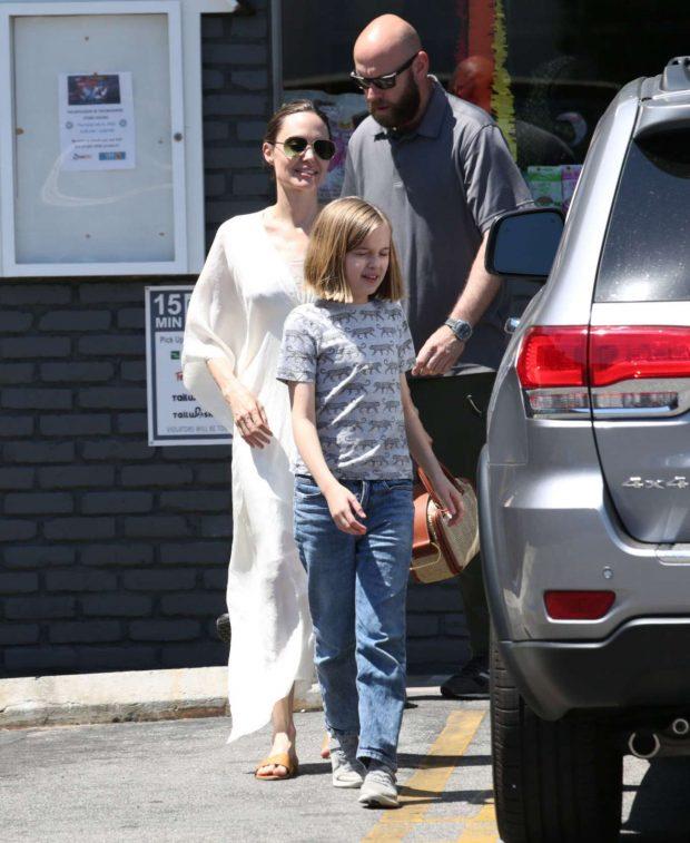 Angelina Jolie: Shopping in Los Feliz-07