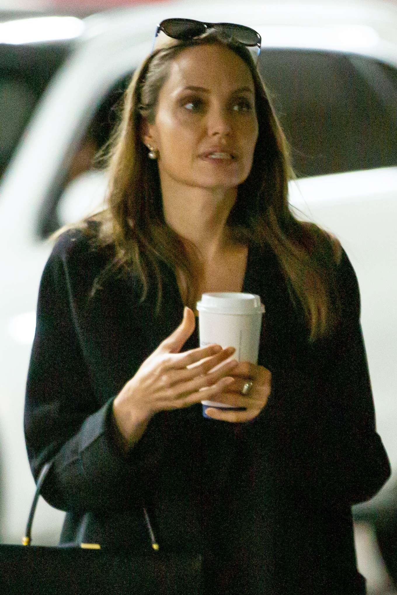 Angelina Jolie - Shopping with daughter Vivienne in LA