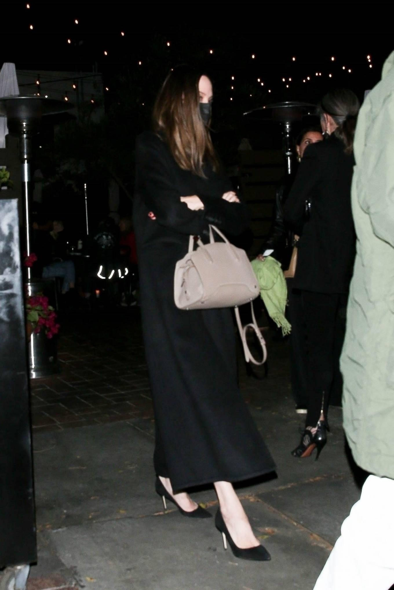 Angelina Jolie 2021 : Angelina Jolie – Steps out with her Ex-husband Jonny Lee Miller for a dinner in Beverly Hills-06