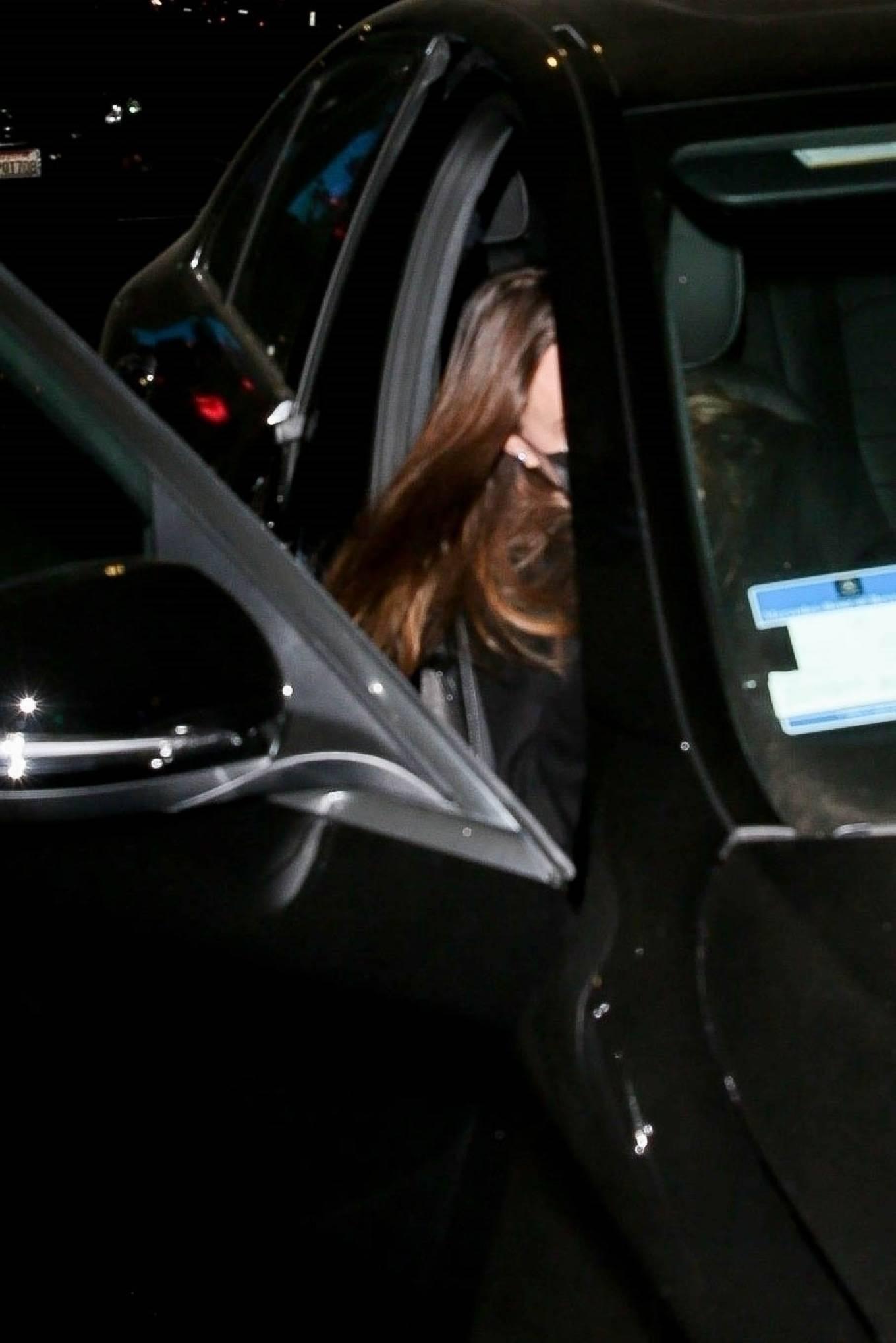 Angelina Jolie 2021 : Angelina Jolie – Steps out with her Ex-husband Jonny Lee Miller for a dinner in Beverly Hills-07