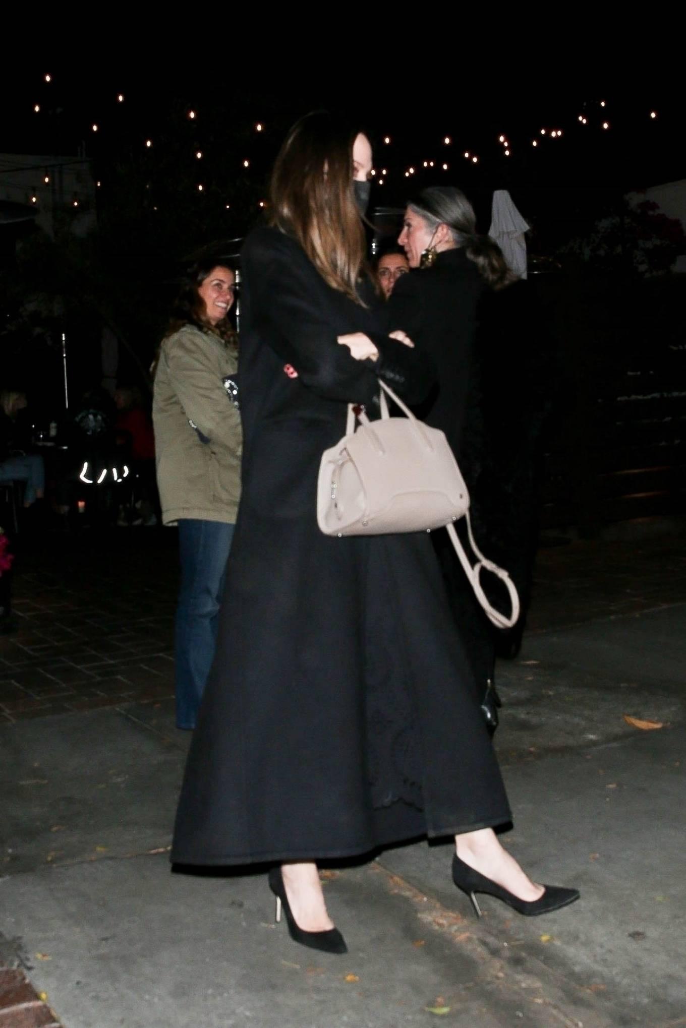 Angelina Jolie 2021 : Angelina Jolie – Steps out with her Ex-husband Jonny Lee Miller for a dinner in Beverly Hills-10