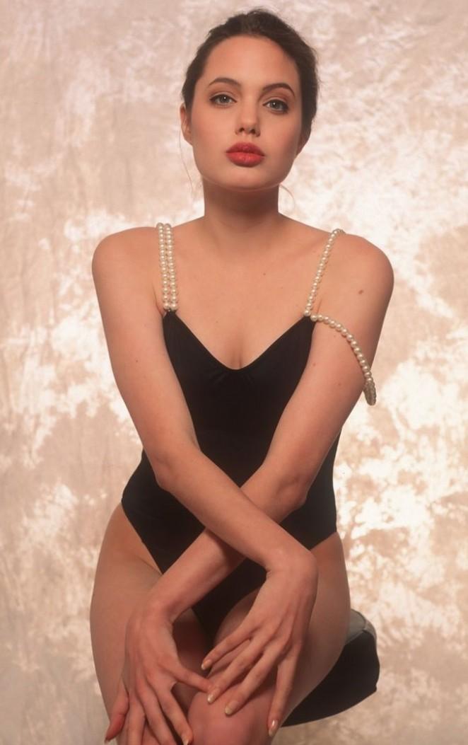 angelina jolie swimsuit photoshoot 1991  06   gotceleb