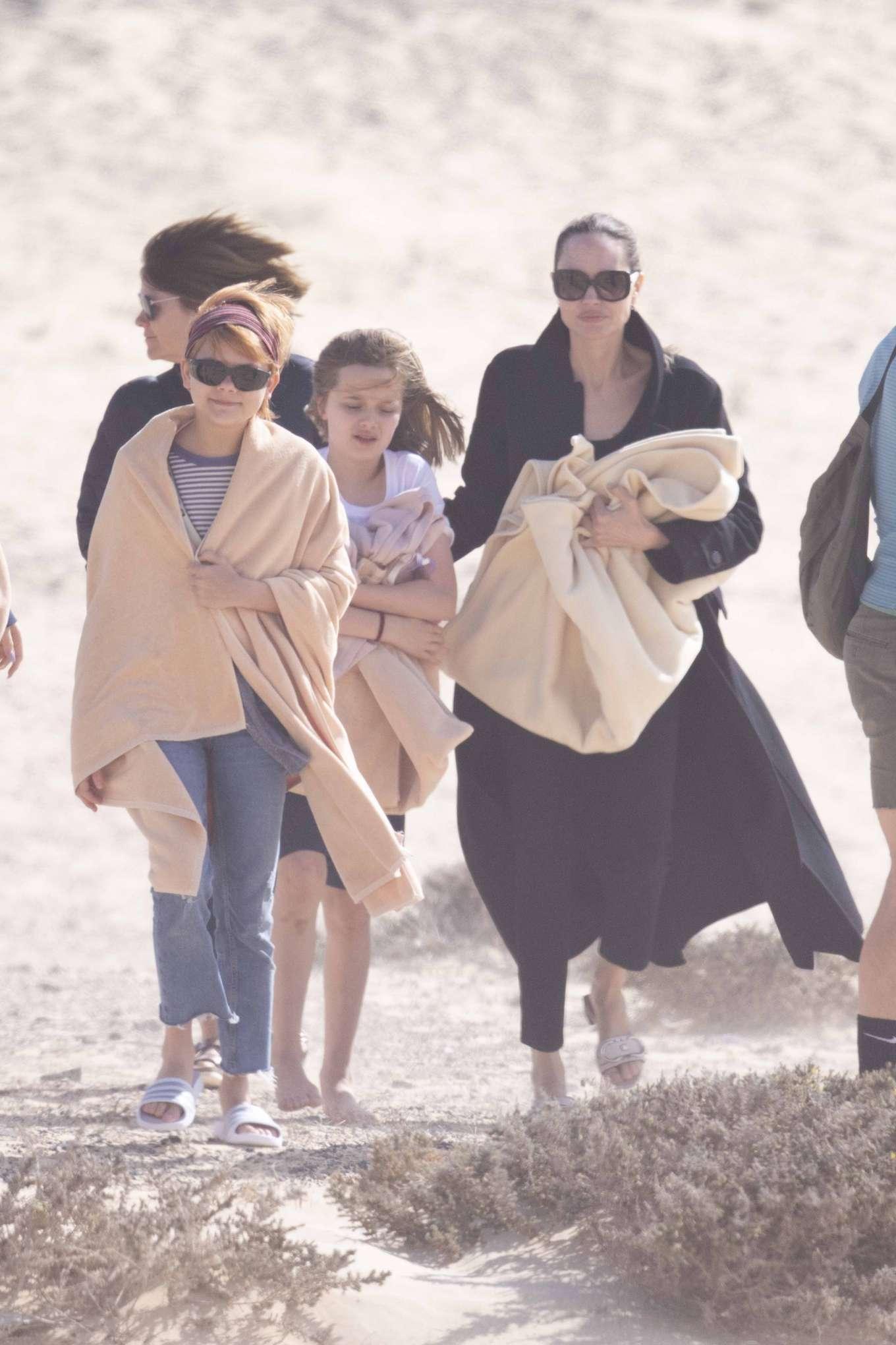 Angelina Jolie 2019 : Angelina Jolie – Take a break from filming on the beach in Fuerteventura-02